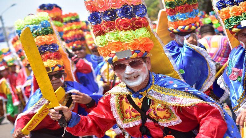 Hacedores del Portafolio de Carnaval reciben apoyo institucional en impuestos y trámites