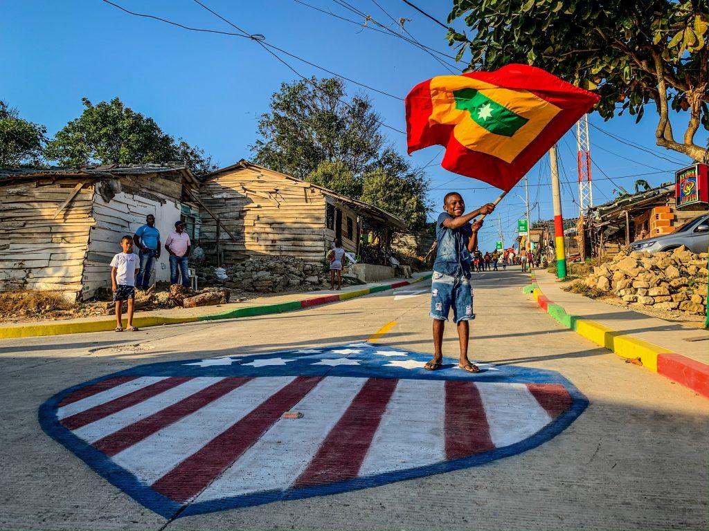 La imagen tiene un atributo ALT vacío; su nombre de archivo es Alcalde-Pumarejo-entregó-tres-vías-pavimentadas-en-el-barrio-Nueva-Colombia-1-1024x768.jpg