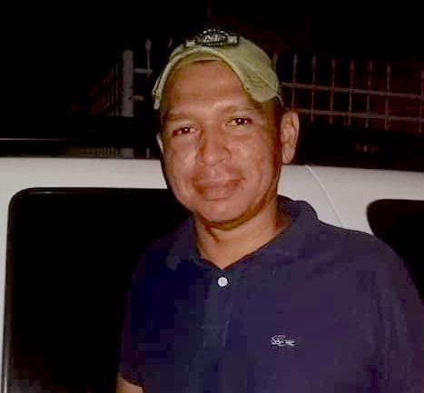 La imagen tiene un atributo ALT vacío; su nombre de archivo es Con-trapos-rojos-vendedores-informales-marcan-sus-casas-para-recibir-ayudas-en-Barranquilla-1.jpg