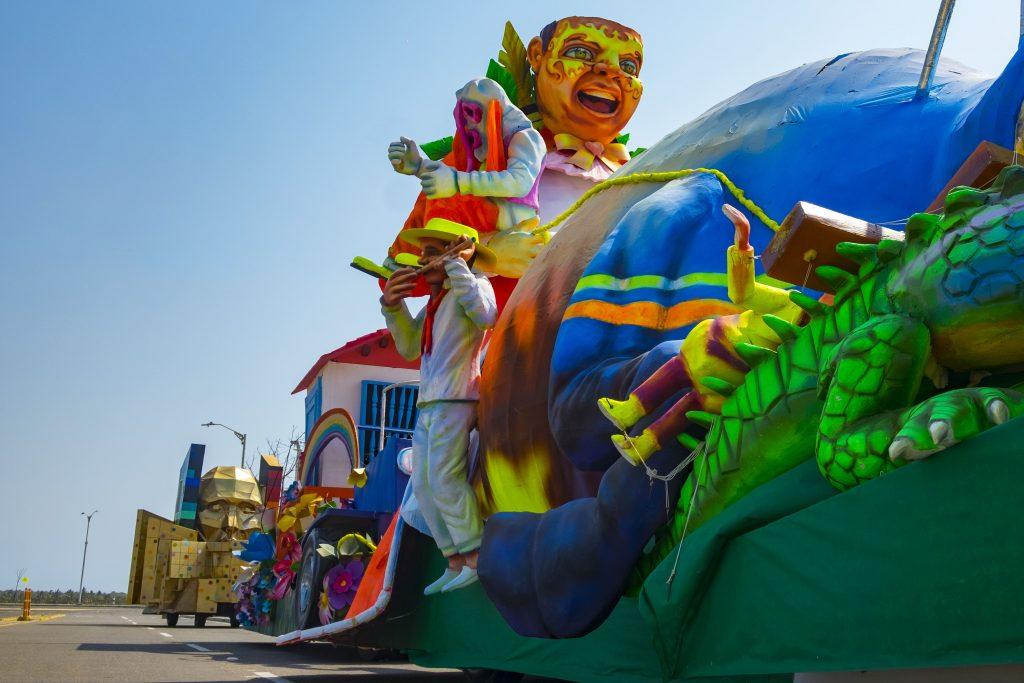 La imagen tiene un atributo ALT vacío; su nombre de archivo es El-carnaval-de-Barranquilla-sigue-en-el-Gran-Malecón-del-Río-hasta-el-15-de-marzo-3-1024x683.jpg