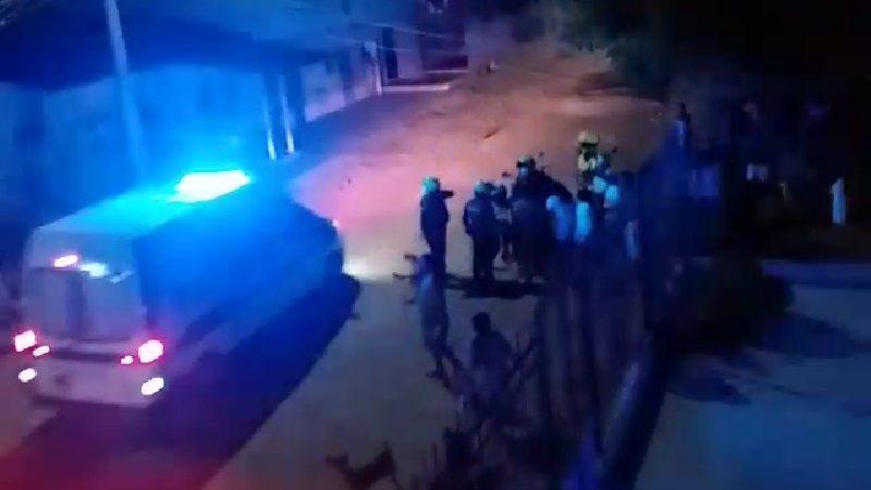 Vídeo: Un herido y destrozos en dos casas deja operativo policial en La Luz