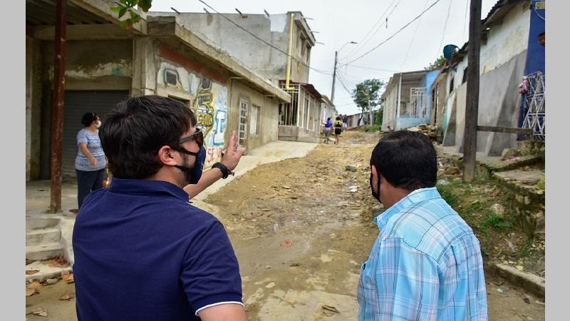 Alcalde Pumarejo anunció la pavimentación de 19 vías en el barrio Siete de Abril