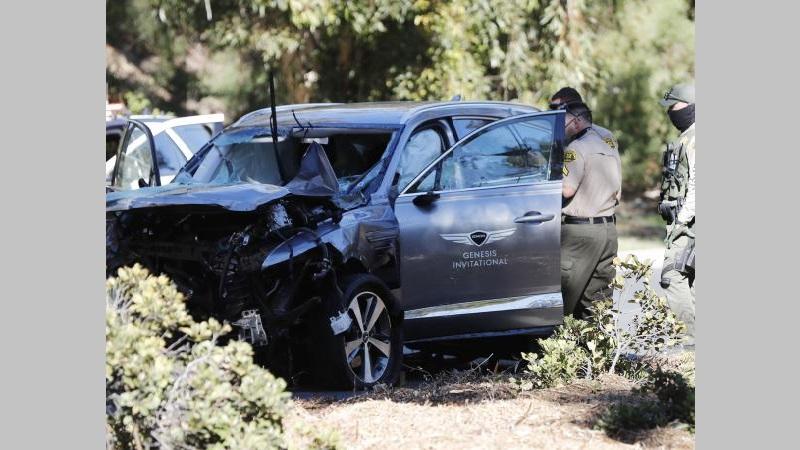 Tiger Woods cayó a un abismo cuando iba en su carro: está grave