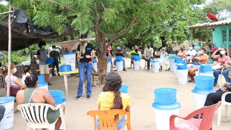 Entregan filtros potabilizadores de agua a campesinos de Galapa para mejorar su calidad de vida