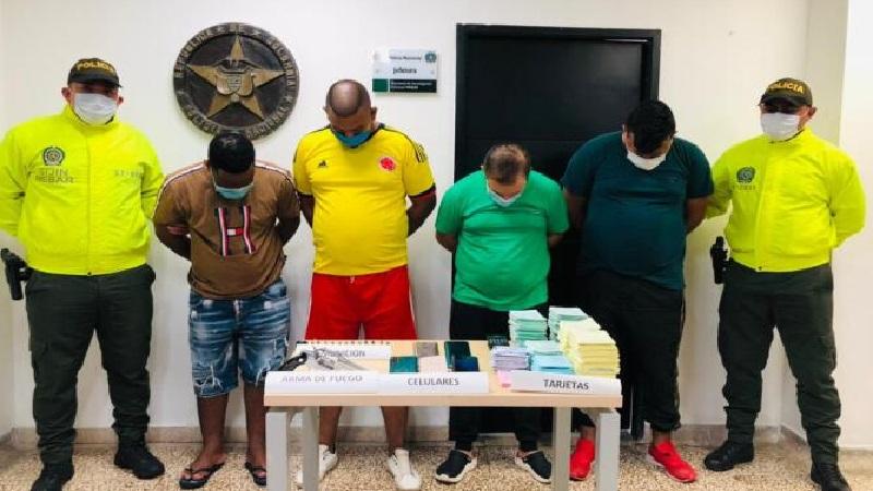 """""""Los 'Gota a Gota' intimidaban a sus clientes en Barranquilla con armas de fuego"""": Policía"""