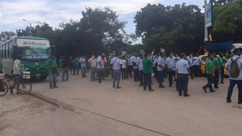 Conductores de Sobusa protestan por asesinato de uno de sus compañeros