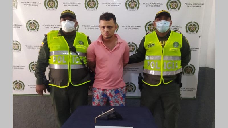 Vídeo: Ladrón fue entregado por su propia hermana luego de atraco en Las Delicias