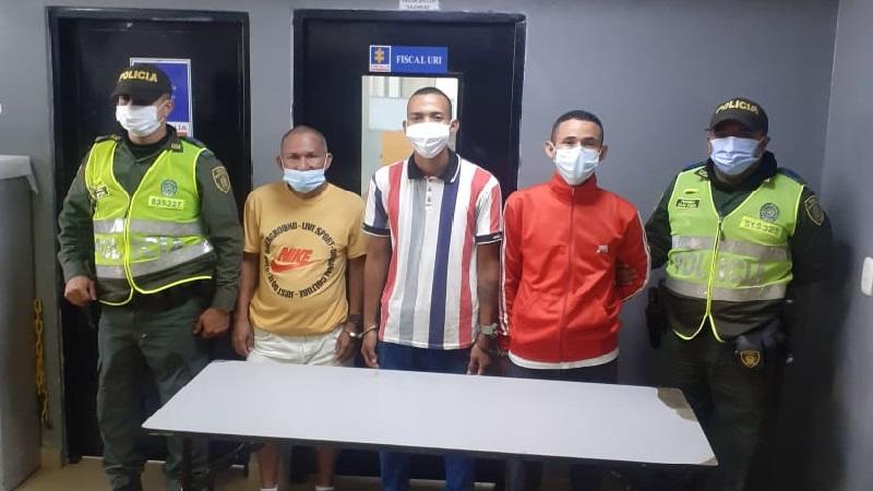 Capturan a tres ladrones en taxi tras cometer un atraco en la calle 30