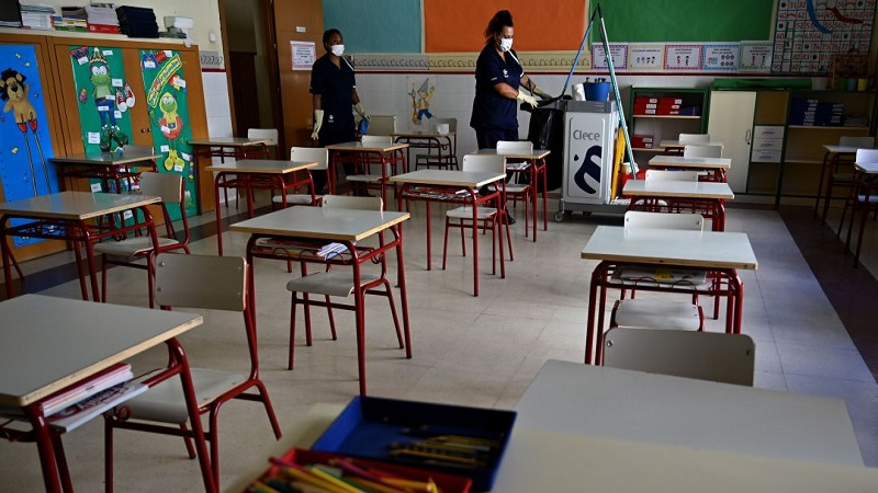 Suspenden clases en varios colegios del Magdalena por contagios de COVID-19