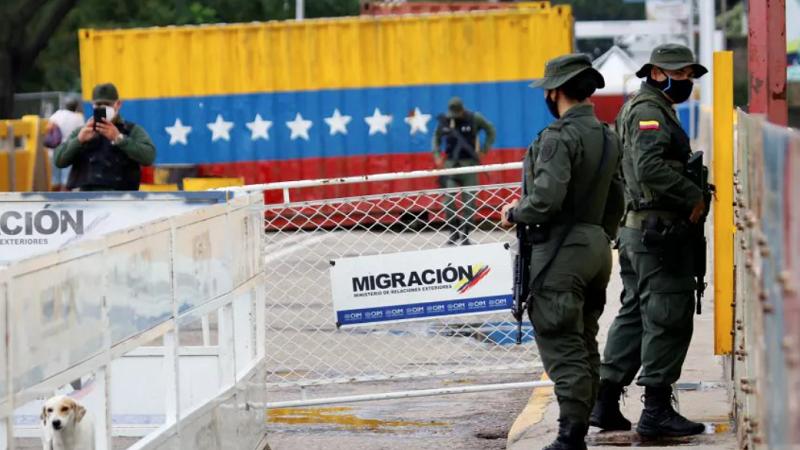 Venezuela ordena abrir frontera con Colombia